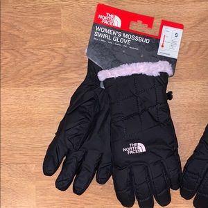 NWT The North Face Mossbud Swirl Glove, Back/ Pink